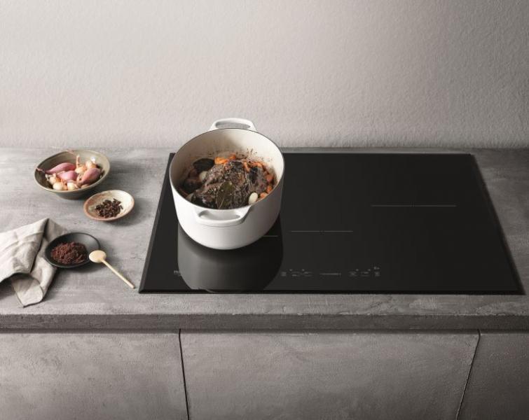 Kuchnie indukcyjne – wybór, montaż i działanie